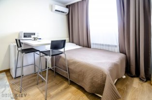 Квартиры посуточно в Киеве - Шулявка, ул.Машинобудивна 944